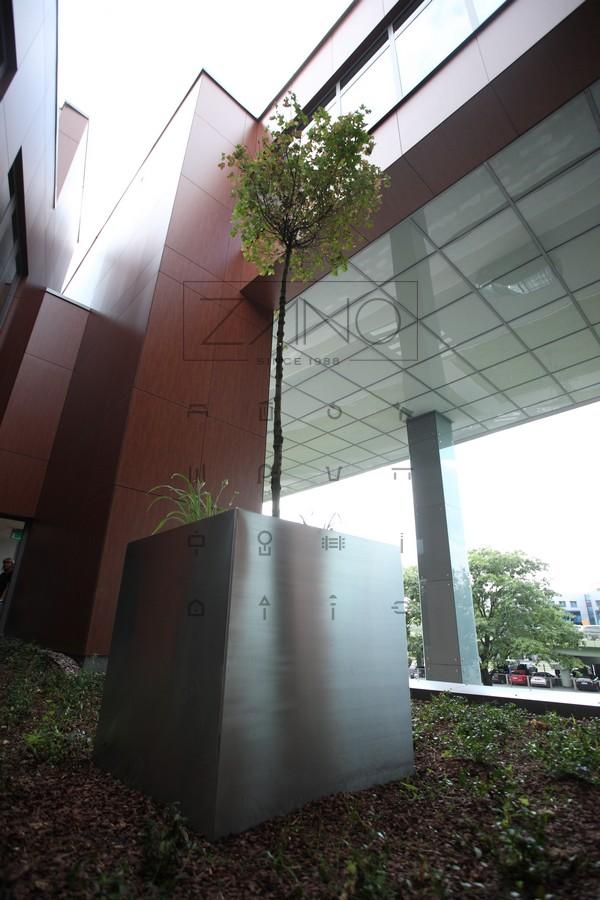 Donice metalowe dla przestrzeni prywatnych i publicznych